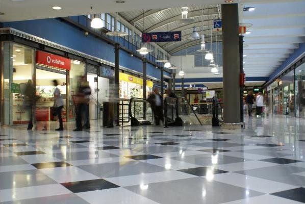 centro-comercial-los-rosales-01