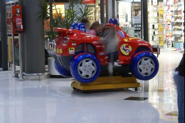 centro-comercial-los-rosales-03