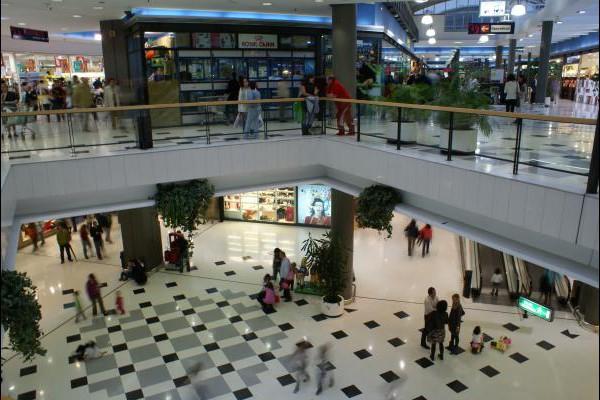 centro-comercial-los-rosales-04