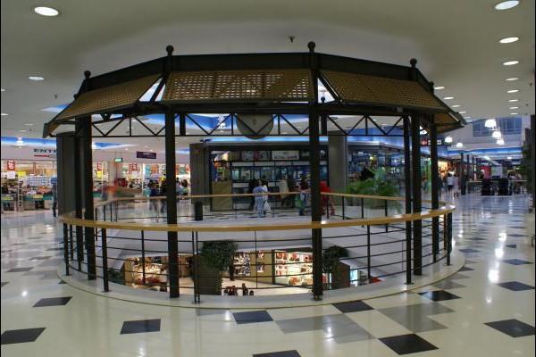 centro-comercial-los-rosales-05