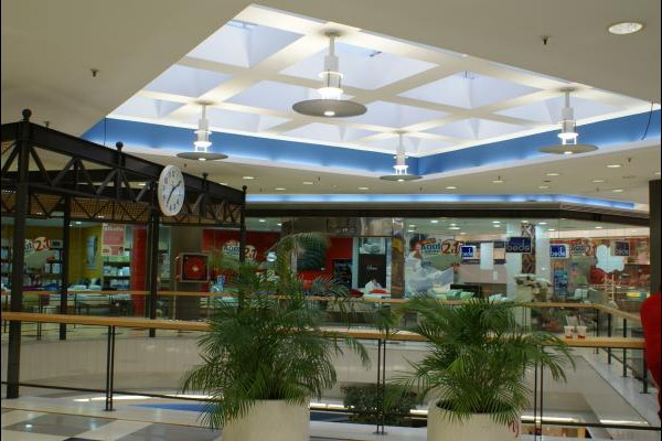 centro-comercial-los-rosales-06