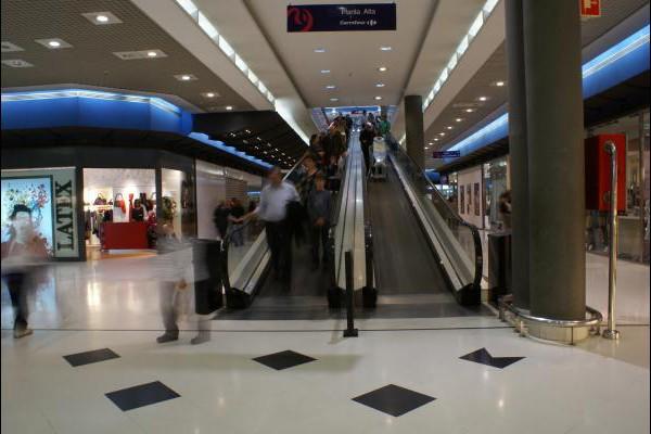 centro-comercial-los-rosales-08