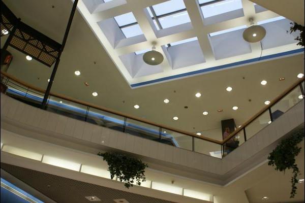 centro-comercial-los-rosales-09