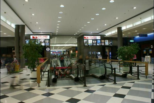 centro-comercial-los-rosales-11